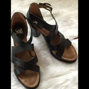 Sofft Shoes - Sofft women's black leather heeled sandals. Size 8